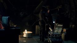 Slade begins to train Oliver