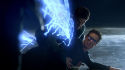 Eobard attacked by Farooq