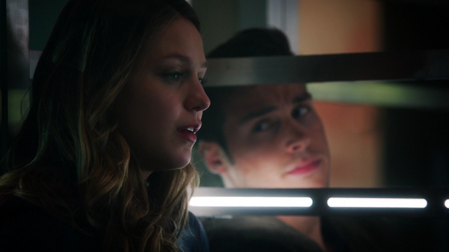 File:Kara and Mon-El imprisoned.png