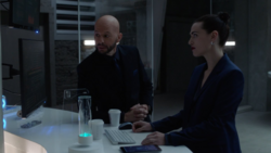 Lex asks Lena to allow him to persuade Obsidian North into cooperating