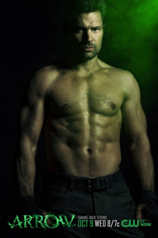 File:Slade Wilson season 2 shirtless promo.png