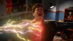 A Força de Aceleração tentando salvar Barry de Ramsey Rosso