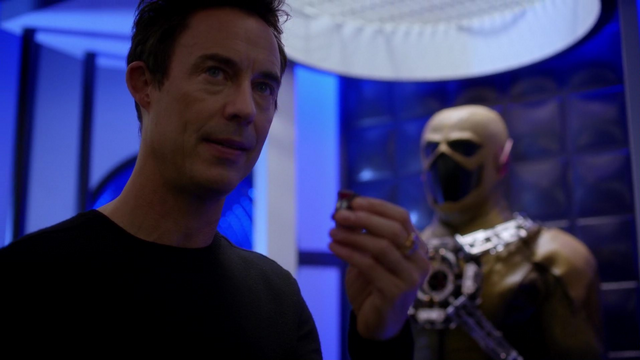 File:Eobard delays his timetable.png