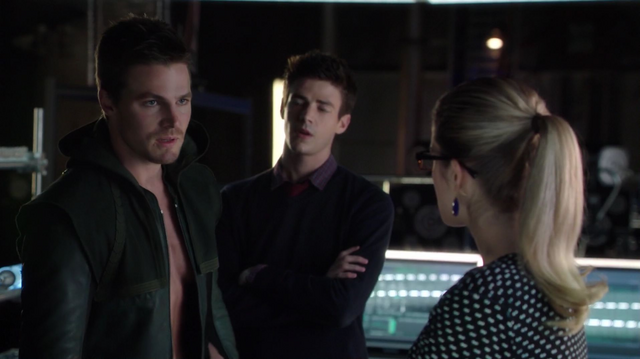 File:Oliver upset that Felicity has revealed his secret to Barry.png