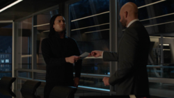 Brainy offers to help Lex's investigations on Leviathan