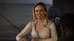 Sara sentada