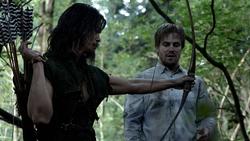 Yao Fei le enseña a Oliver el tiro con arco