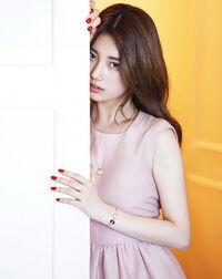 Bae-Suzy 1676