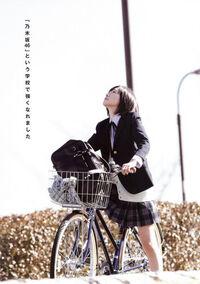Graduation-Koko-Sotsugyo-2014-nogizaka46-37039196-352-500