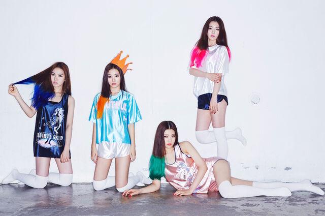 File:Red-Velvet-Happiness-Teaser-6-group.jpg