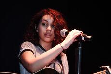 Alessia-cara