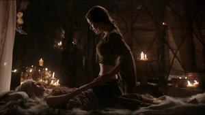 Doreah Teaching Daenerys Skills on Bed