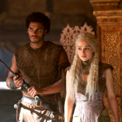 Kovarro guarding Daenerys Targaryen in
