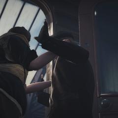 阿格尼丝把奈杰尔拽进车厢