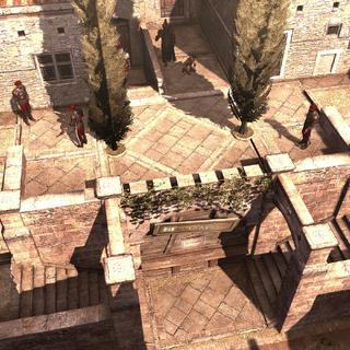 Een van Egidio's huizen wordt bewaakt.
