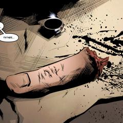 萨迪厄斯的手指和他的戒指被装在一起