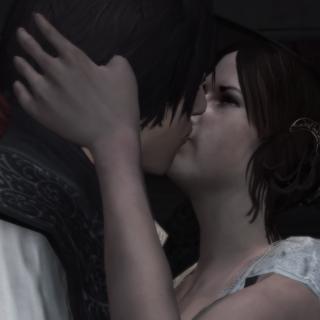 埃齐奥和克里斯蒂娜共享一段亲密时光
