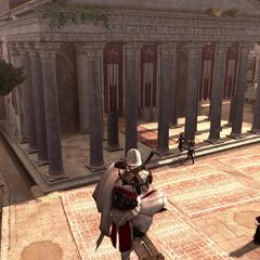 Ezio kijkt toe hoe Egidio naar het Pantheon wordt begeleidt.