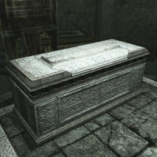 第一座奥迪托雷家族成员坟墓
