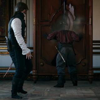 <b>Victor</b> coincé dans une armoire.