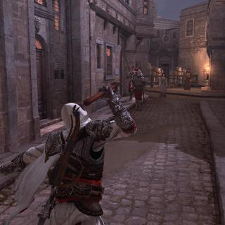 埃齐奥正要朝一名卫兵投掷长矛