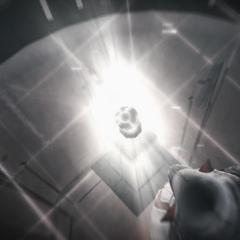 Ezio plaçant la Pomme sur son piédestal