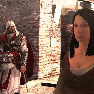 Ezio s'approchant de la femme sur le toit