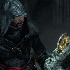 Ezio trouvant une <b>clé</b> cachée