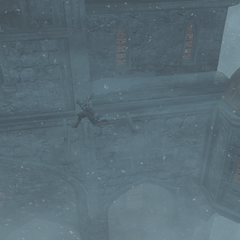 Ezio free-runt langs het kasteel