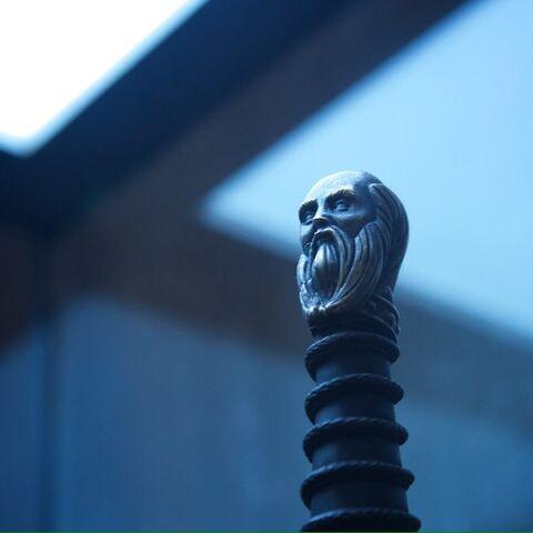 奥赫达的佩剑剑柄圆头