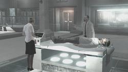 Lucy Vidic monitorano Desmond laboratorio Abstergo