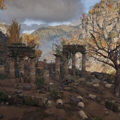 福基斯蛇神殿废墟里的巨蛇骸骨
