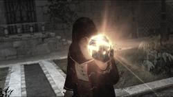 AssassinsCreed Al Mualim holding the Piece of Eden