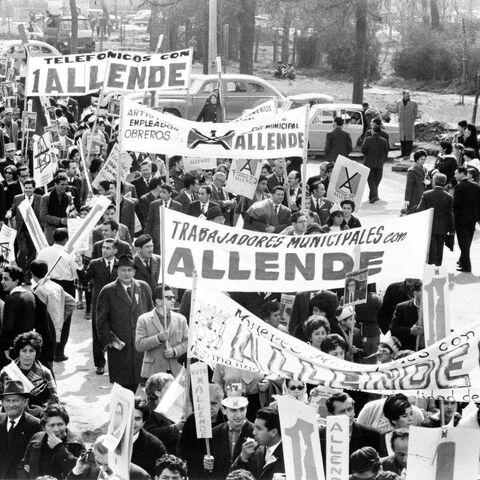 Manifestation soutenant le gouvernement d'Allende, 1964