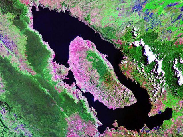 File:Lake Toba.jpg