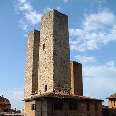 现实中的圣吉米尼亚诺:双塔