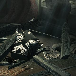 阿泰尔铠甲,在别墅遇袭时被损害