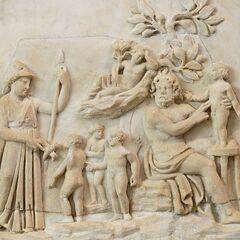 描绘普罗米修斯创造人类的浮雕