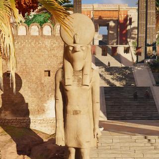荷鲁斯在底比斯的雕像