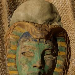古埃及面具,属于神话中的蛇之女神瓦吉特