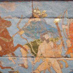 古希腊公元前5世纪一副描绘阿尔忒弥斯的壁画。画中,她的左侧为<a href=