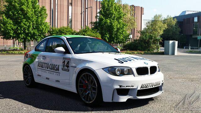 File:BMW 1M E82 (Just Mareo).jpg