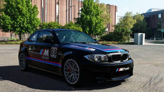 File:BMW 1M E82 (BMW Motorsport Black).jpg
