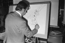 Uderzo dibujando a Asterix