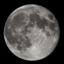 Księżyc - satelita Ziemi