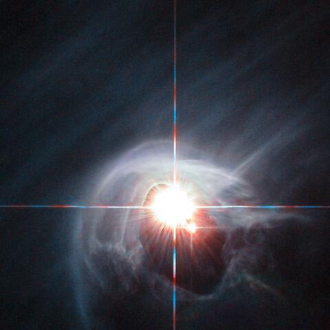 Система DI Дракона. Ми бачимо лише дві зорі, але насправді це - четверна система.