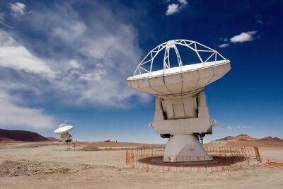 1280px-ALMA Antennas on Chajnantor