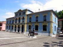 Plaza Mayor (ángulo inverso)-Trubia