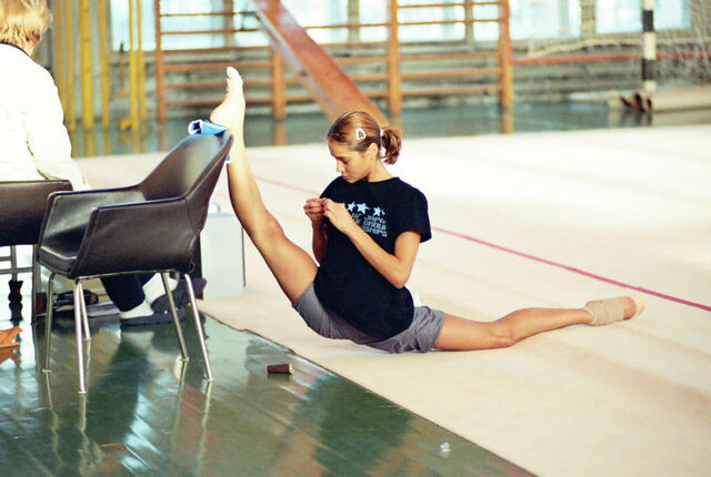 File:Gymnast flexibility.jpg
