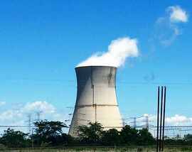 Davis-Besse Nuclear Power Station cooling tower (4183)